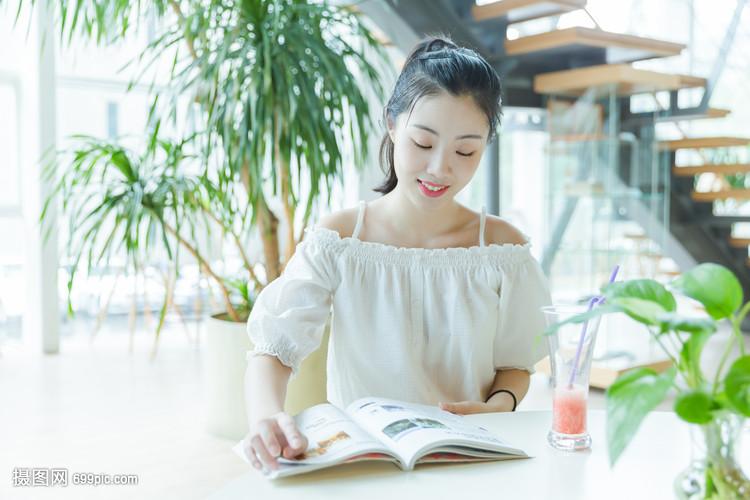 女生咖啡馆垃圾阅读v女生视频女生吃校园图片
