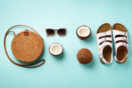 时尚风格。度假的答案。与服装的设计,c版程序设计第二海滩谭浩强图片