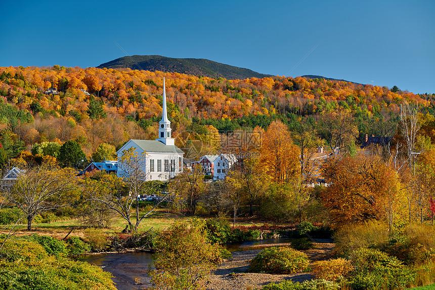 美国佛蒙特州斯托镇的标志新英格兰教堂高清图片下载-正版图片300045214-摄图网